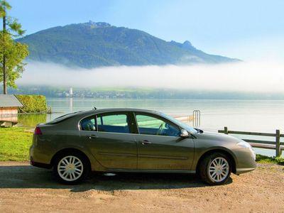 Тест-драйв hyundai elantra, тест-драйвы автомобилей mitsubishi carisma, видео тест-драйв nissan primera, тесты renault laguna, сравнительный обзор автомобиль